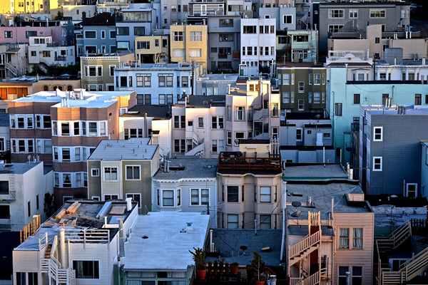 Czy warto skorzystać z agencji przy sprzedaży nieruchomości?